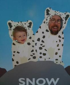 Tidbits Managing editor Jeff Carlson and daughter as snow leopards